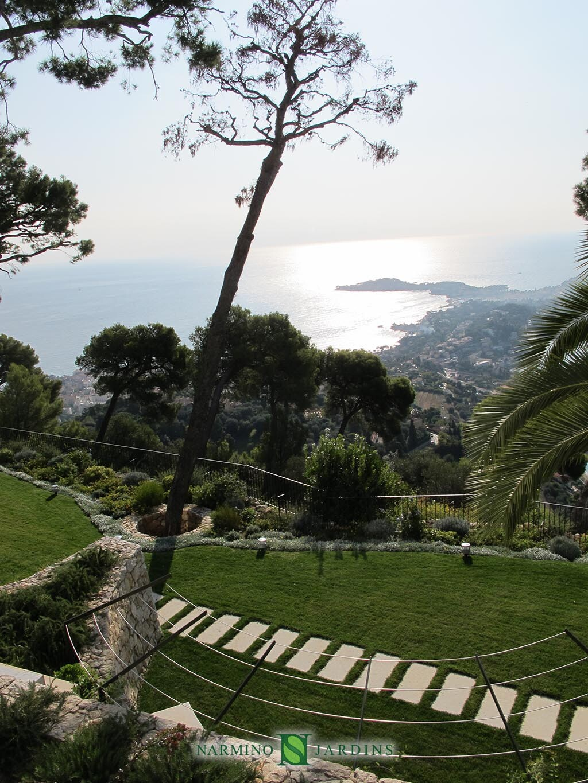 Belle vue sur Eze et le Cap Ferrat