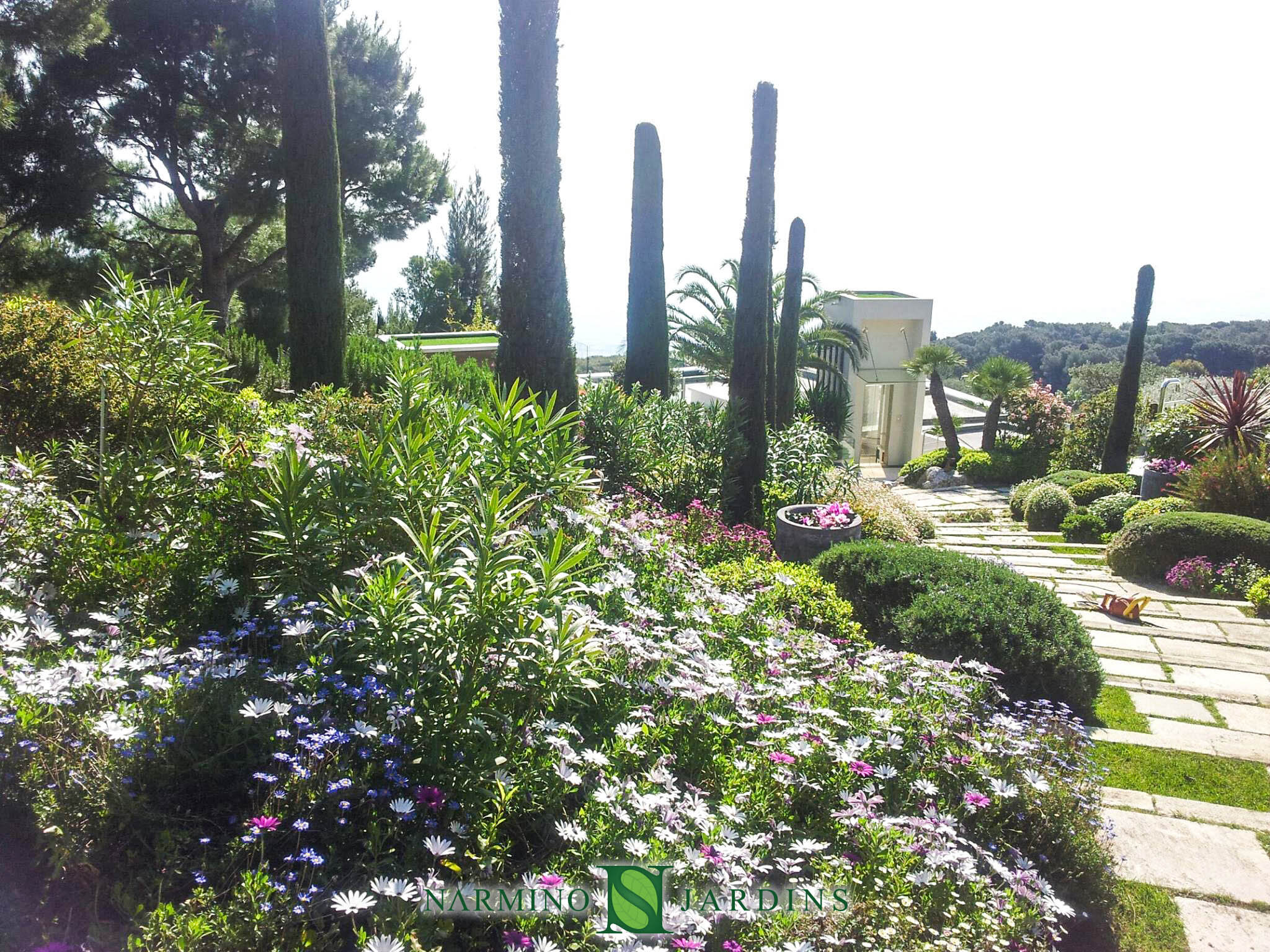 Landscape maintenance of a garden on the French Riviera
