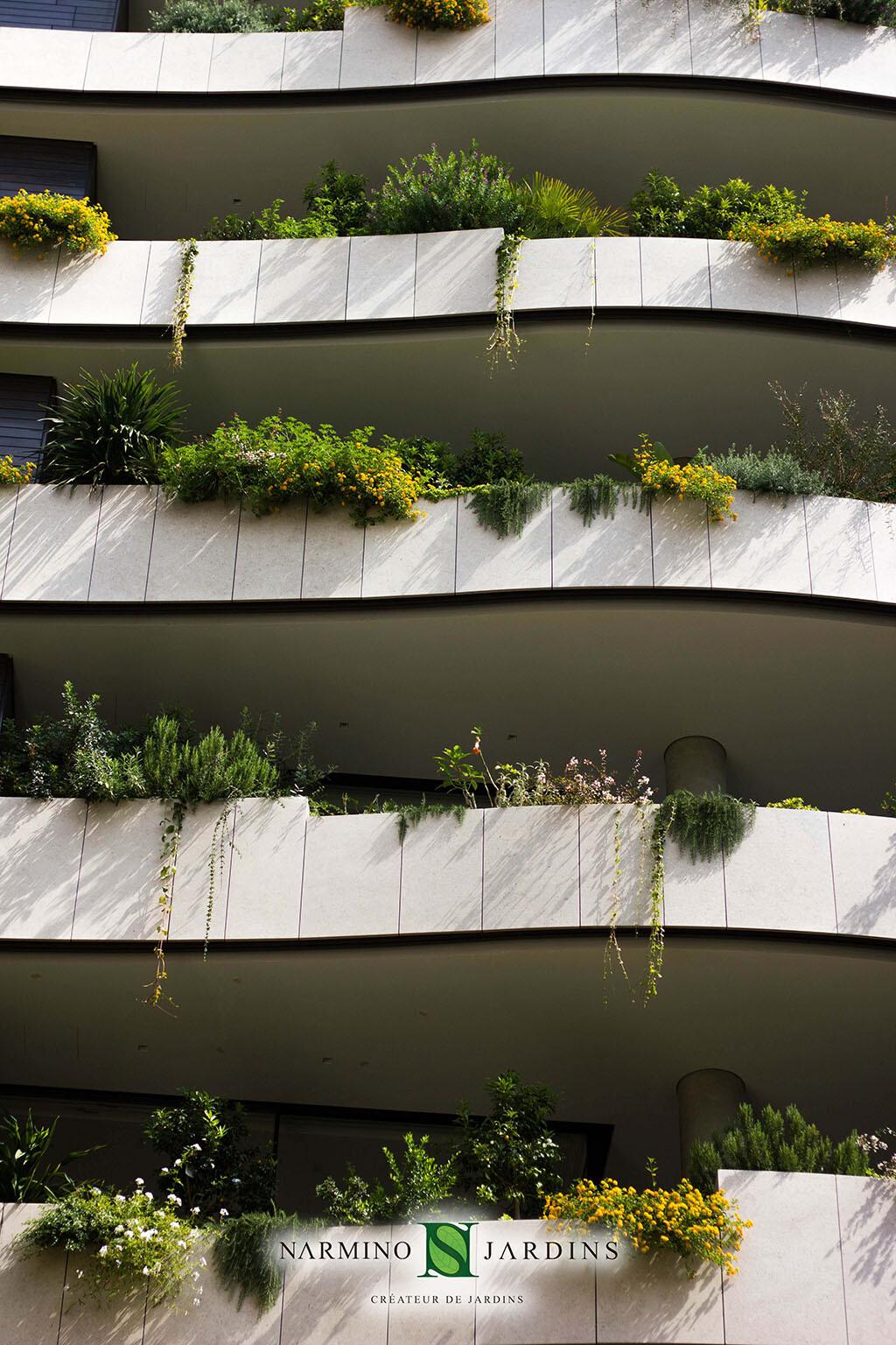 Façade et jardinières en Principauté de Monaco