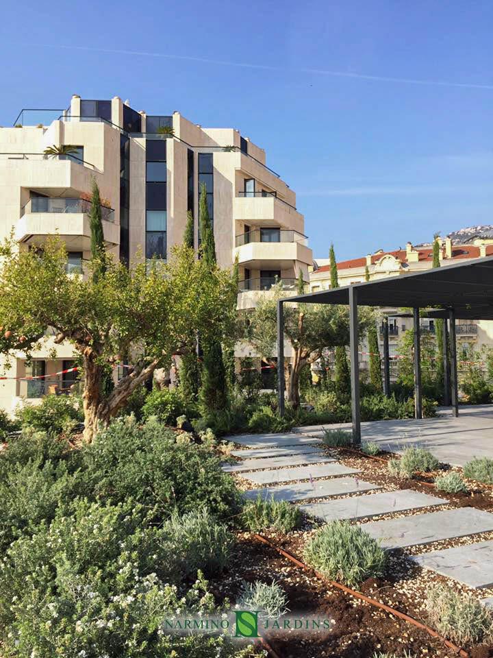 Garden and Green Space Design | Narmino Jardins