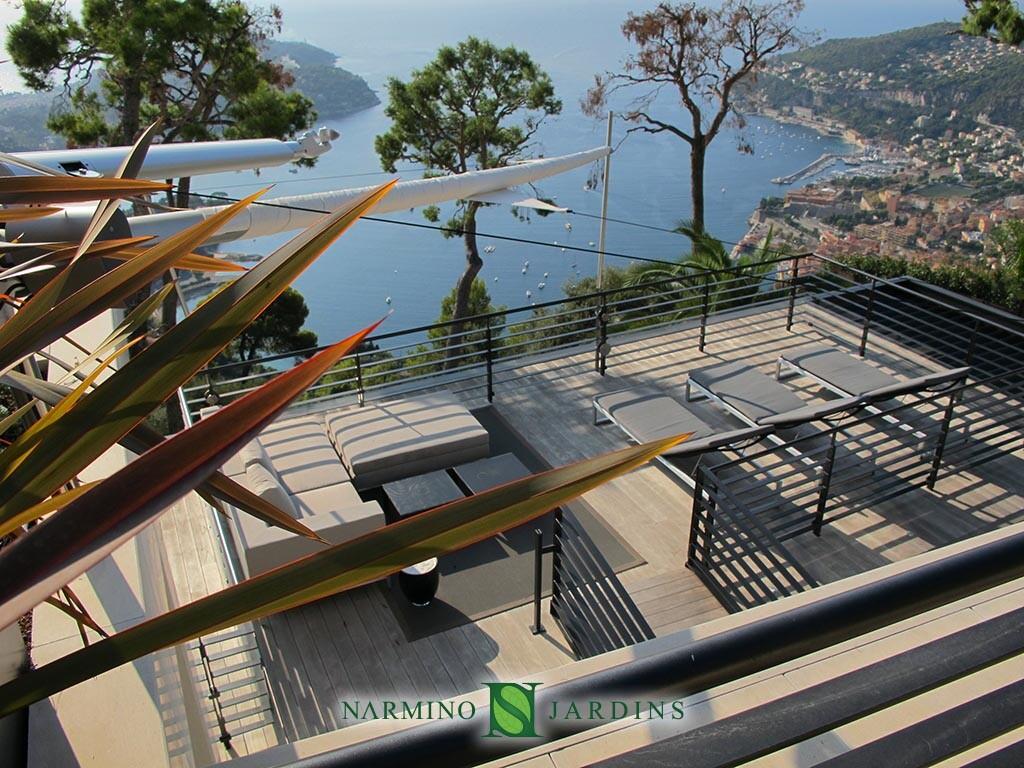 Salon, jardin et piscine au dessus de Villefranche sur Mer