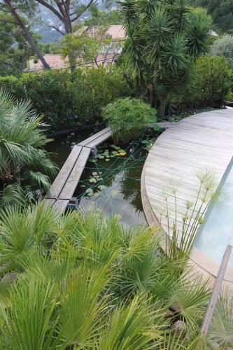 Narmino Jardins a réalisé le bassin pour Carpes Koï