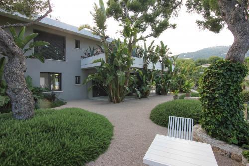 Entrée d'une villa contemporaine